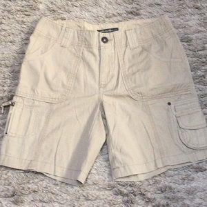 NWOT Eddie Bauer high waist cargo shorts